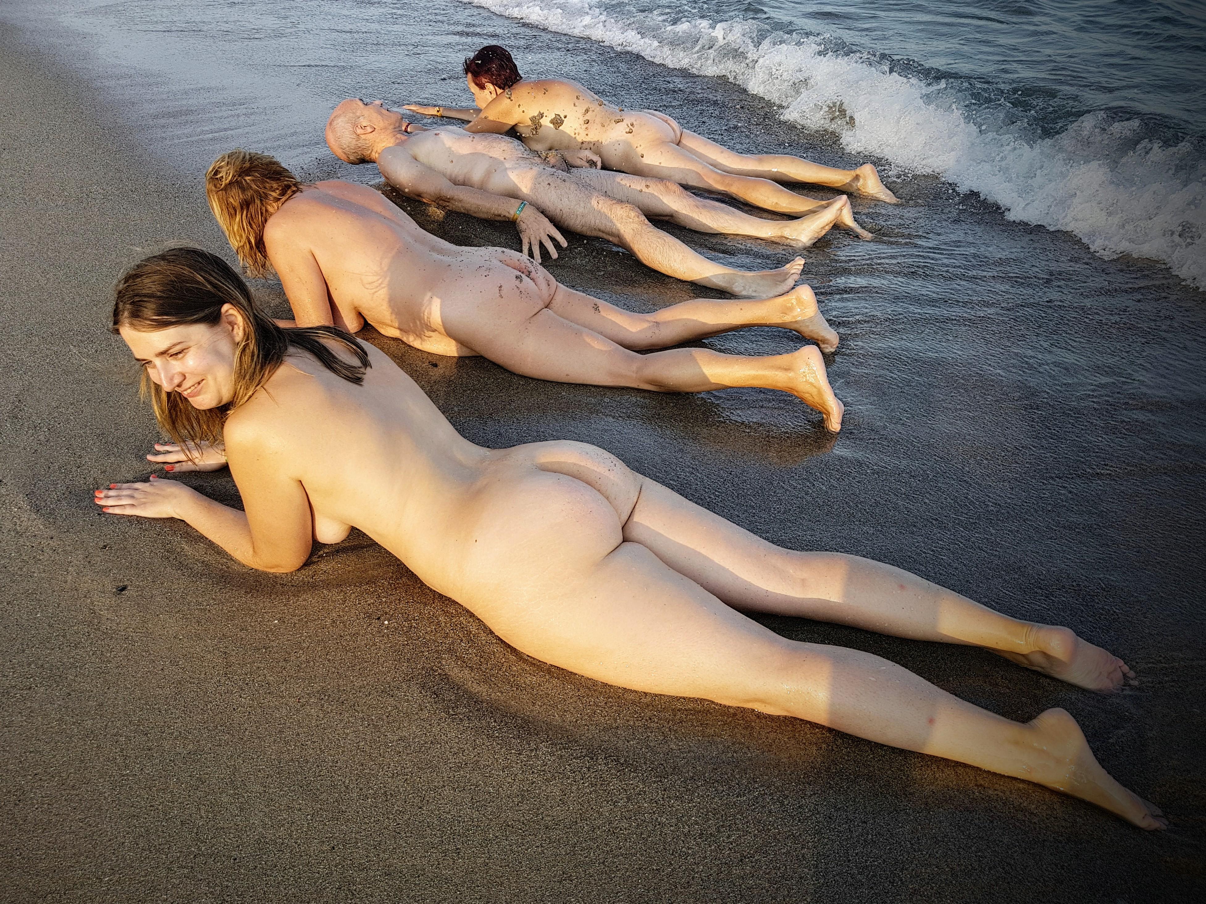 Como niños en la playa-El Caminante